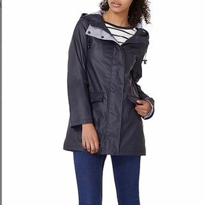 Like new! Navy mid-weight lined raincoat size SM/4